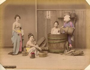 kusakabe_kimbei_home_bathing